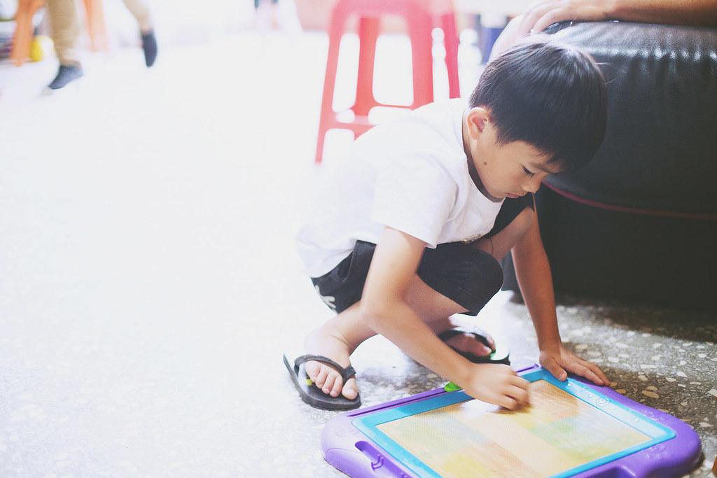 家庭寫真,兒童寫真,親子寫真,兒童攝影,全家福照,桃園,自然風格,生活風格,居家風格,到府拍攝,真實紀錄
