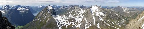 Panorama Slogen og Brekketindane
