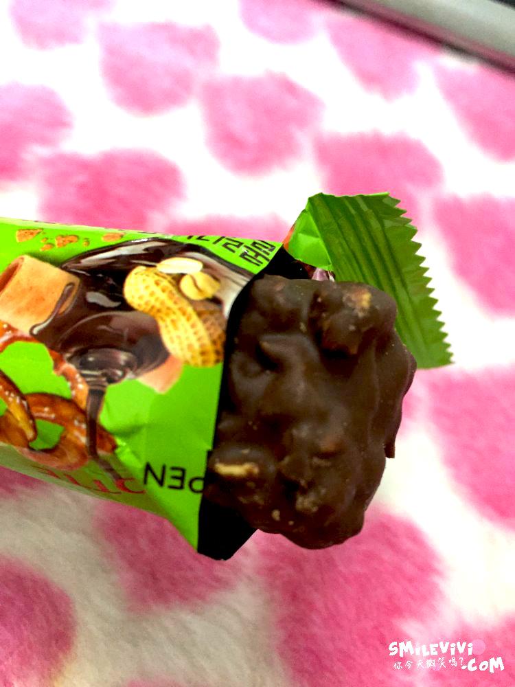 零食∥韓國CRUNKY(크런키)三種熱量低巧克力棒之雙倍香脆夾心巧克力棒(더블크 런치바 )、威化夾心巧克力棒( 웨하스 초코바)、綜合脆米果巧克力棒(믹스크리스피) 14 50240454657 ded7fcd147 o