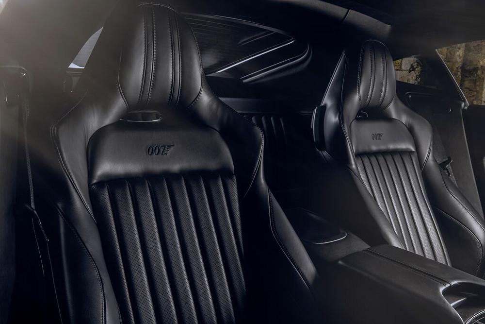 Aston Martin 200821-8