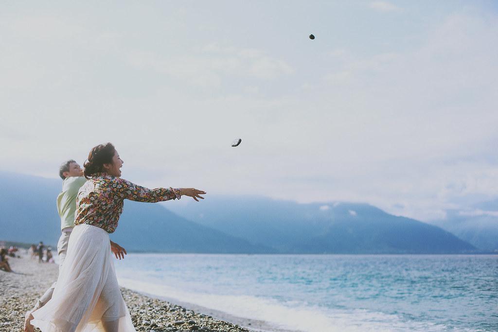 便服婚紗,自助婚紗,花蓮,自然,海邊,七星潭,民宿,生活化,婚紗照,黑白