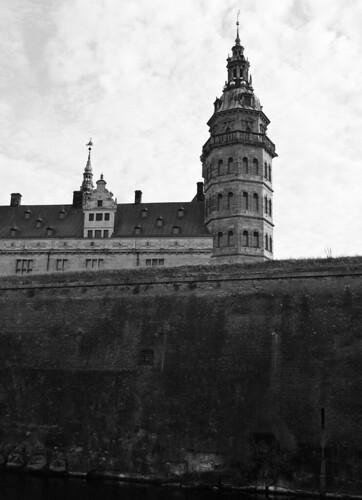 Kronborg tæt på