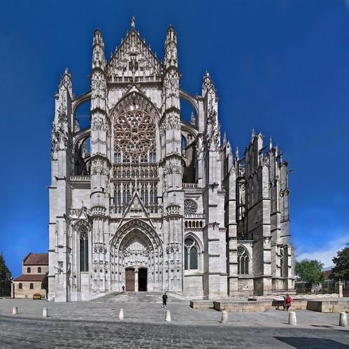 beauvais cathédrale transept sud le 18 août 2020 (photomontage)