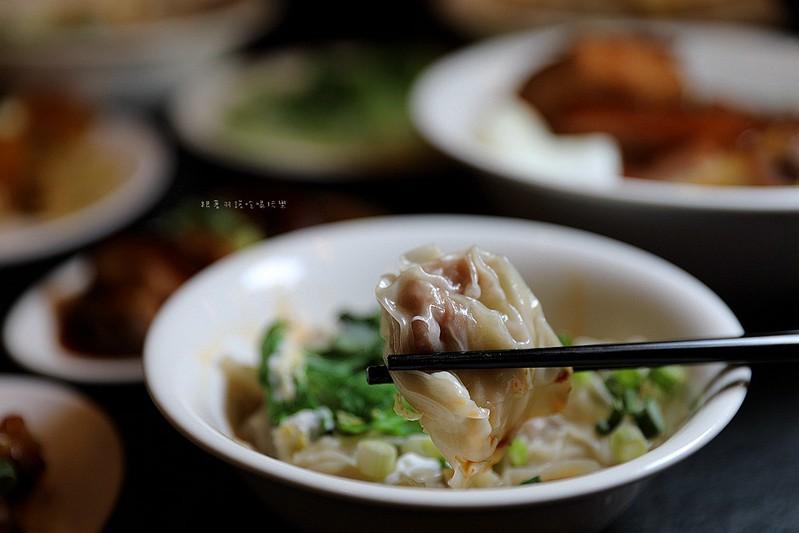 西門麵店極脆涼麵銷魂豬腳飯蛋包滷肉飯台北西門町美食100
