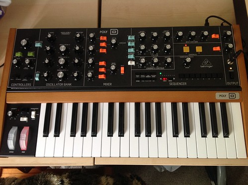 Behringer Poly D Synth