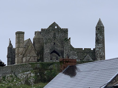 Rock of Cashel from town