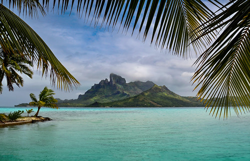 ***Tropical Picnic on Bora Bora (Explored)