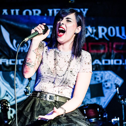 @veronica_driven 🎤 #cantante #breakmedown #singer 🌹 #metal #alternative #rock 🎸 #heavymetal 🎥#elettritv💻📲 #webtv #canalemusicale #music 🔊 #playlist @breakmedownit #webtvmusicaoriginale #sottosuol