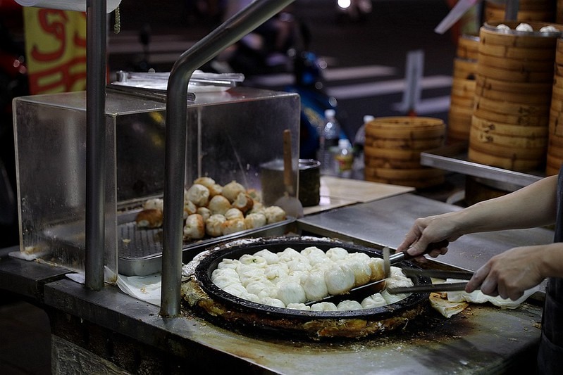 三重小吃美食集美街無名5元小籠包水煎包平價銅板高CP值14