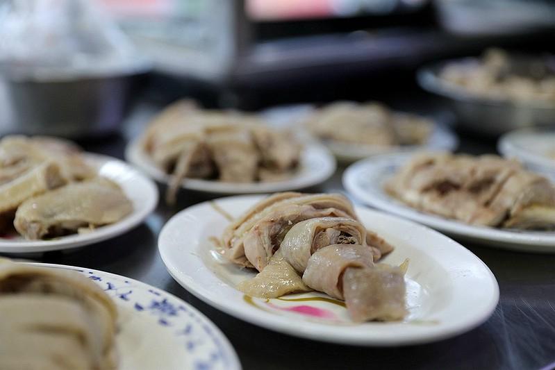 新北市三重五華街好吃雞肉飯下水湯10元雞油飯高CP值銅板小吃13