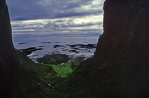 "Norwegen 1998 (692) Torghatten • <a style=""font-size:0.8em;"" href=""http://www.flickr.com/photos/69570948@N04/50300644976/"" target=""_blank"">View on Flickr</a>"