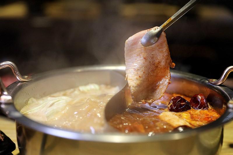 火鍋殿和牛戰車龍蝦頂級啤酒蛤蜊痛風火鍋鍋物台北東區吃到飽179
