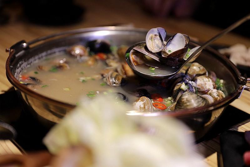 火鍋殿和牛戰車龍蝦頂級啤酒蛤蜊痛風火鍋鍋物台北東區吃到飽152