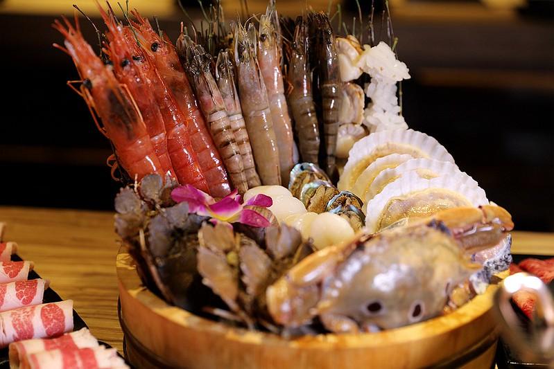 火鍋殿和牛戰車龍蝦頂級啤酒蛤蜊痛風火鍋鍋物台北東區吃到飽127