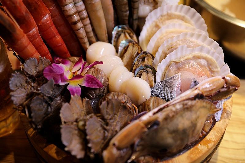 火鍋殿和牛戰車龍蝦頂級啤酒蛤蜊痛風火鍋鍋物台北東區吃到飽132