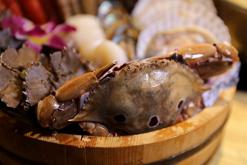 火鍋殿和牛戰車龍蝦頂級啤酒蛤蜊痛風火鍋鍋物台北東區吃到飽130
