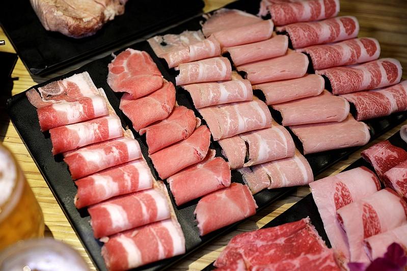 火鍋殿和牛戰車龍蝦頂級啤酒蛤蜊痛風火鍋鍋物台北東區吃到飽110