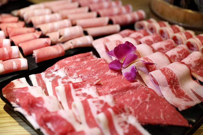 火鍋殿和牛戰車龍蝦頂級啤酒蛤蜊痛風火鍋鍋物台北東區吃到飽108