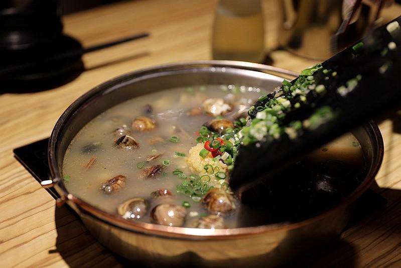 火鍋殿和牛戰車龍蝦頂級啤酒蛤蜊痛風火鍋鍋物台北東區吃到飽082