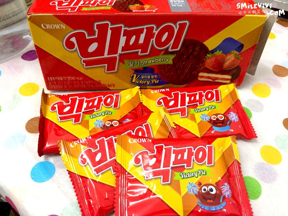 食記∥韓國餅乾CROWN(크라운)兩款夾心餅乾之草莓夾心餅乾Victory Pie(빅파이)、巧克力夾心餅乾(쵸코샌드) 16 50307317491 6a52118f4b o
