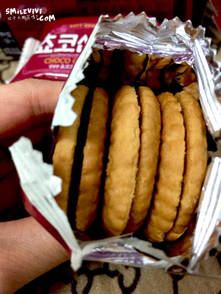 食記∥韓國餅乾CROWN(크라운)兩款夾心餅乾之草莓夾心餅乾Victory Pie(빅파이)、巧克力夾心餅乾(쵸코샌드) 23 50307471782 774248e577 o