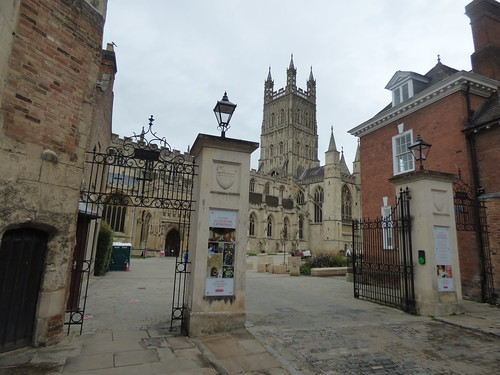 Gloucester Cathedral - gates from College Street