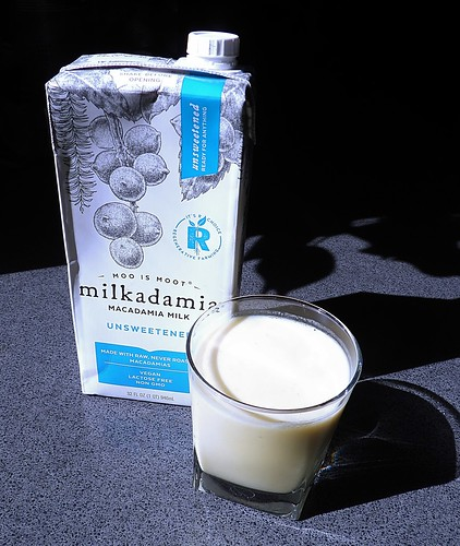 Macadamia Nut Milk.JPG2