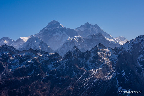 Mount Everest (8848 m n.p.m.) i Lhotse (8516 m n.p.m.)