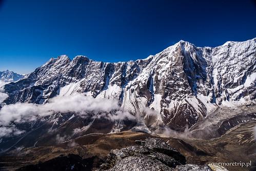 Kongde Ri (6187 m n.p.m.), Thyangmoche (6543 m n.p.m.)