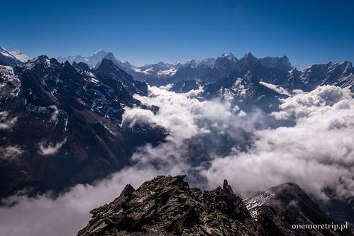 Makalu (8481 m n.p.m.) Ama Dablam (6856 m n.p.m.) Kangtega (6782 m n.p.m.) i Thamserku (6623 m n.p.m.)