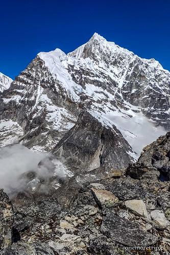 Tengi Ragi Tau (6943 m n.p.m.)