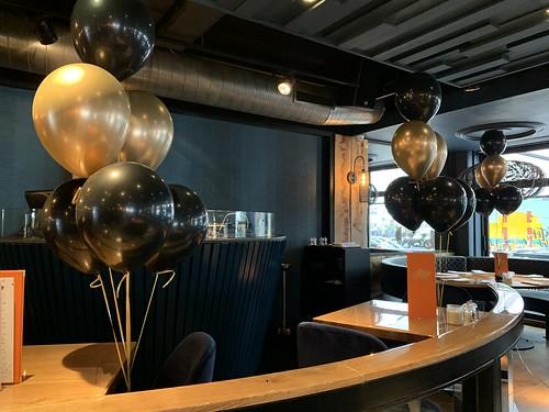 Tafedecoratie 6ballonnen Oysterclub Rotterdam