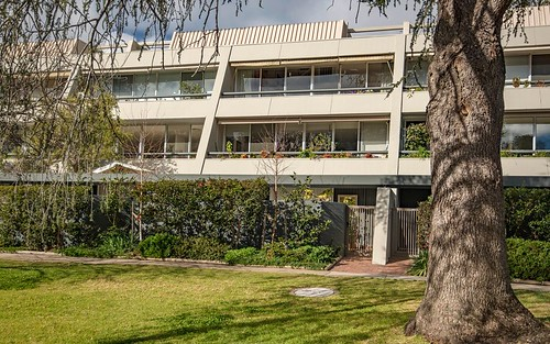 2/18 Currie Crescent, Kingston ACT 2604