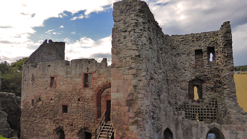 Hailes-Castle_P1050544