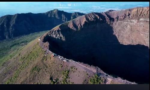 @pomiglianojazz @danielesepecapitancapitone @lionelloueke #cratere #vesuvio @vesuviuspark #elettri
