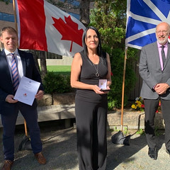 NEWFOUNDLAND AND LABRADOR/TERRE-NEUVE-ET-LABRADOR: Award recipient/lauréate Elaine Johnson-Chafe with/avec Premier/premier ministre Andrew Furey and/et Perry Trimper, Parl. Sec. to the Minister of Education/Sec. parl. du ministre de l'éducation