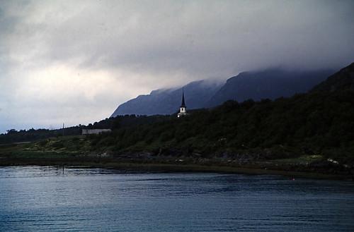"Norwegen 1998 (704) Solstad kirke • <a style=""font-size:0.8em;"" href=""http://www.flickr.com/photos/69570948@N04/50332588716/"" target=""_blank"">View on Flickr</a>"