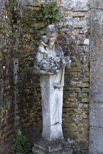 Statue (Château de Beaumesnil)