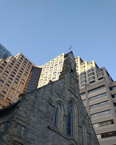 Church of the Redeemer in front #toronto #yorkville #churchoftheredeeemer #fourseasonshotel #skyline #architecture