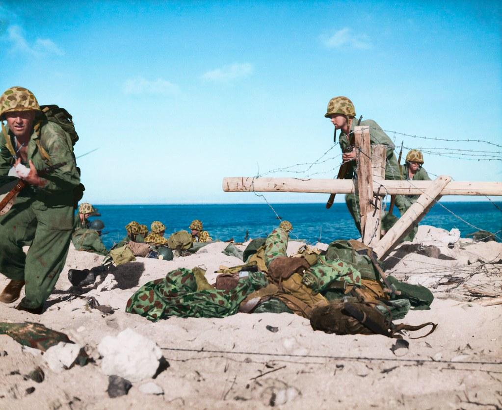 American Marines in Betio, Tarawa, November 1943