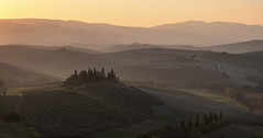 Morning lights on Podere Belvedere - Val d'Orcia, Tuscany (Italy)