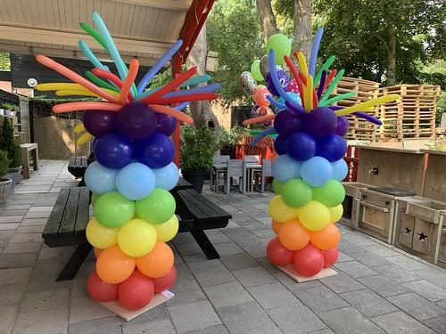 Ballonpilaar Breed Regenboog Speeltuin Kralingen Rotterdam
