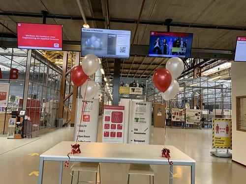 Tafeldecoratie 3ballonnen Hoge School RDM kade Rotterdam
