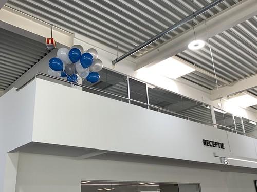 Heliumballonnen Mazda Hyundai dealer Autobedrijf Kooy Oud Beijerland