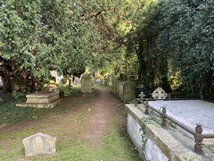 Photo of St Mary the Virgin churchyard, Hayes