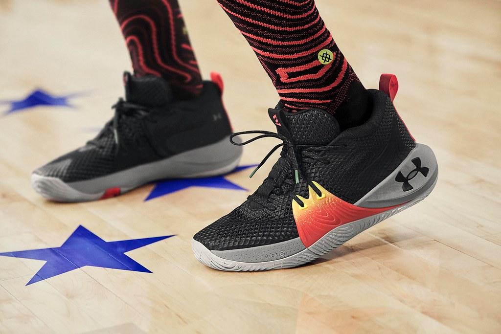 專業運動品牌UNDER ARMOUR攜手NBA費城76人全明星中鋒 Joel Embiid推出「UA EMBIID ONE」籃球鞋。