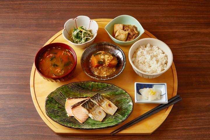 (圖8)「MGH Mitsui Garden Hotel和苑三井花園飯店」精緻日式自助早餐