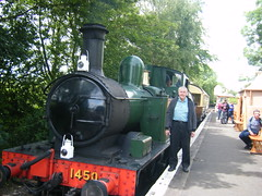 Photo of GWR tank loco No. 1450 on the short demonstration line.