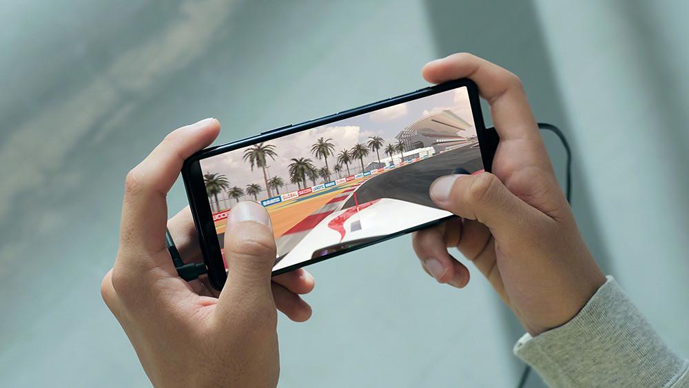 圖說五、Xperia-5-II帶來全新120Hz螢幕更新率、240Hz觸控掃描頻率,讓遊戲操作更準確、更迅速