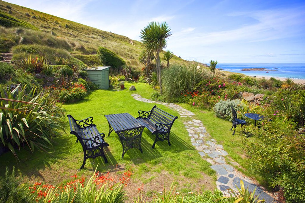Whitebreakers, a characterful cottage for four in Cornwall near Sennen Cove